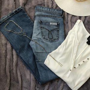 Calvin Klein Jeans size 2 light wash bootcut 💙
